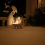 桌上的装饰小蜡烛